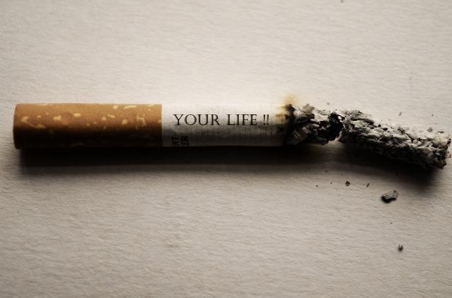 El tabaco es un factor de riesgo para el cáncer de mama