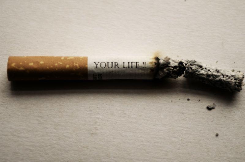 evita el tabaco para prevenir el cáncer oral